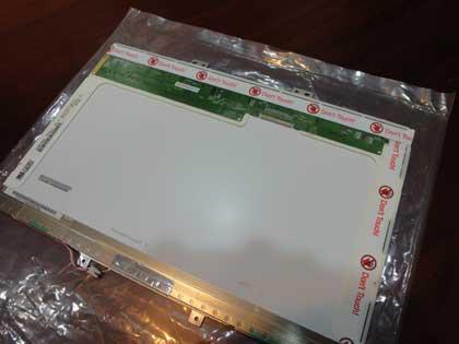 Ferrari筆電維修及更換螢幕小記
